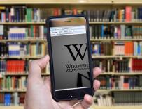 Wikipedia cierra como protesta.