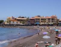 Competencia recurre la regulación de vivienda turística de Galicia y Castilla y León
