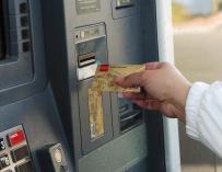 Detenido un antiguo cartero que robaba tarjetas bancarias de buzones