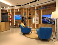 CaixaBank convierte una sucursal en tienda de electrodomésticos y electrónica