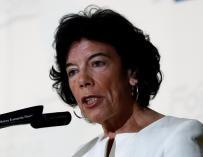 Isabel Celaá en el desayuno informativo de Fórum Europa en Madrid