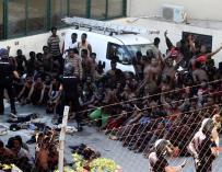Inmigrantes Ceuta, salto masivo a la valla