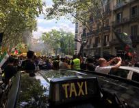 Taxistas manifestándose en Barcelona