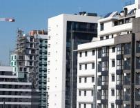 Viviendas en construcción en Barcelona / EFE
