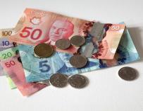 Fotografía de dólares canadienses.