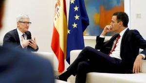 Tim Cook (CEO de Apple) en Moncloa con Pedro Sánchez