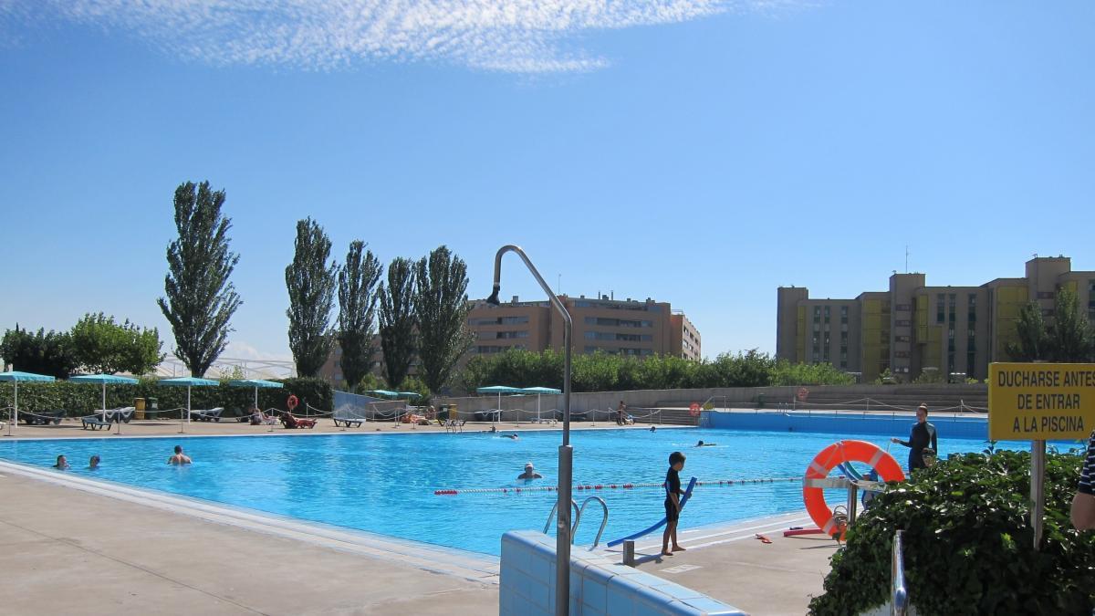 Las piscinas municipales registran un 11 m s de usos que for Piscinas municipales zaragoza 2017