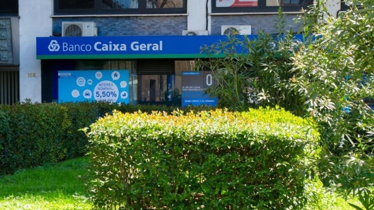 Cajamar abanca y cerberus afrontan las ltimas horas en for Cajamar valencia oficinas
