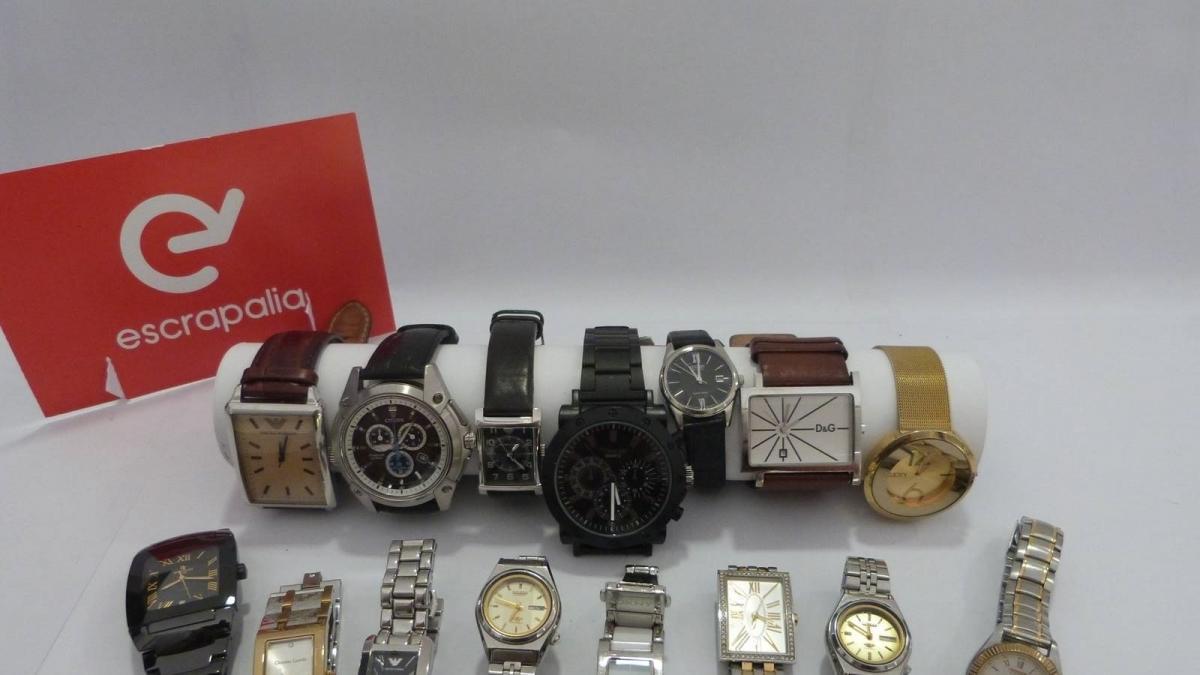 El ayuntamiento subasta objetos de lujo y alta gama for Oficina objetos perdidos valencia