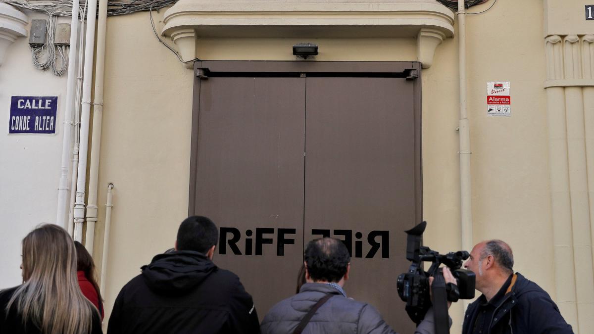 El Riff vuelve a abrir sus puertas, un mes después de la intoxicación de 31 clientes
