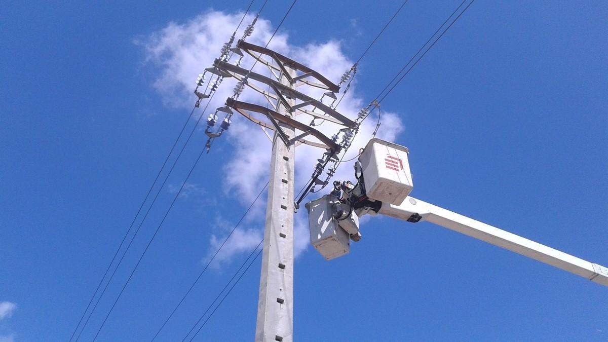 La CNMC investiga la subida récord de la luz a más de 11.000 euros MWh el martes