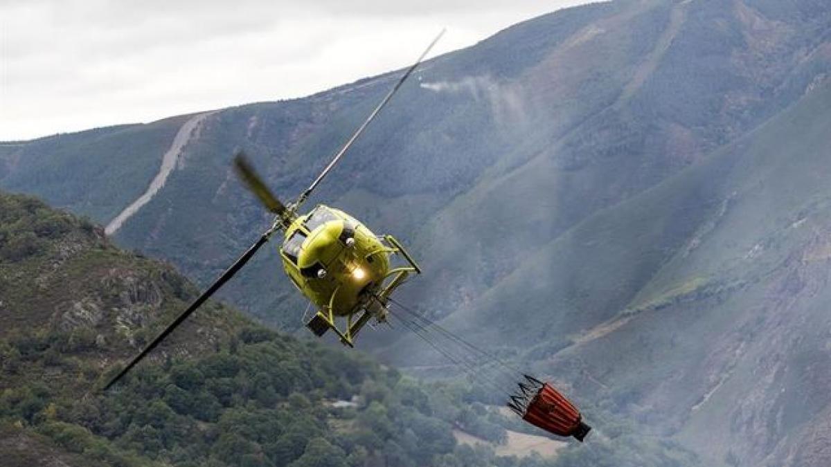 El Gobierno contrata una firma del 'cártel del fuego' para combatir los incendios
