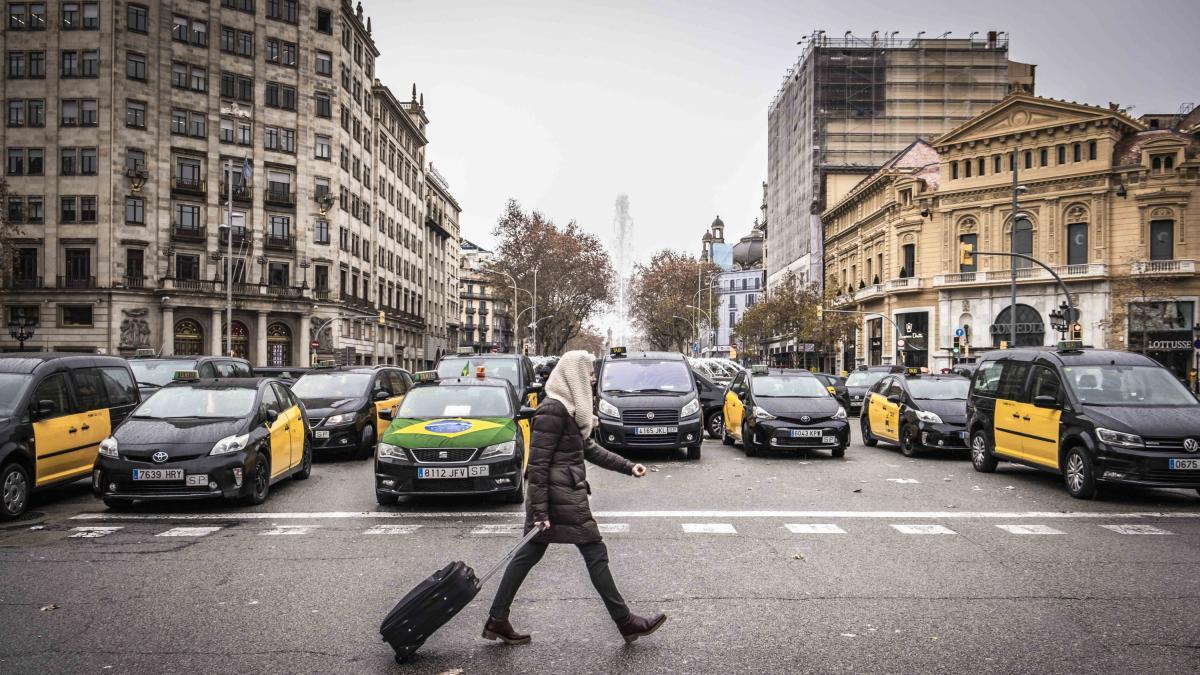 ¡Taxi! El viaje cuesta casi el doble en San Sebastián que en Ceuta o Las Palmas - lainformacion.com