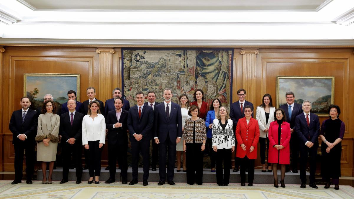 El Gobierno desvela que 60 altos cargos de Sánchez cobran más de 100.000 euros