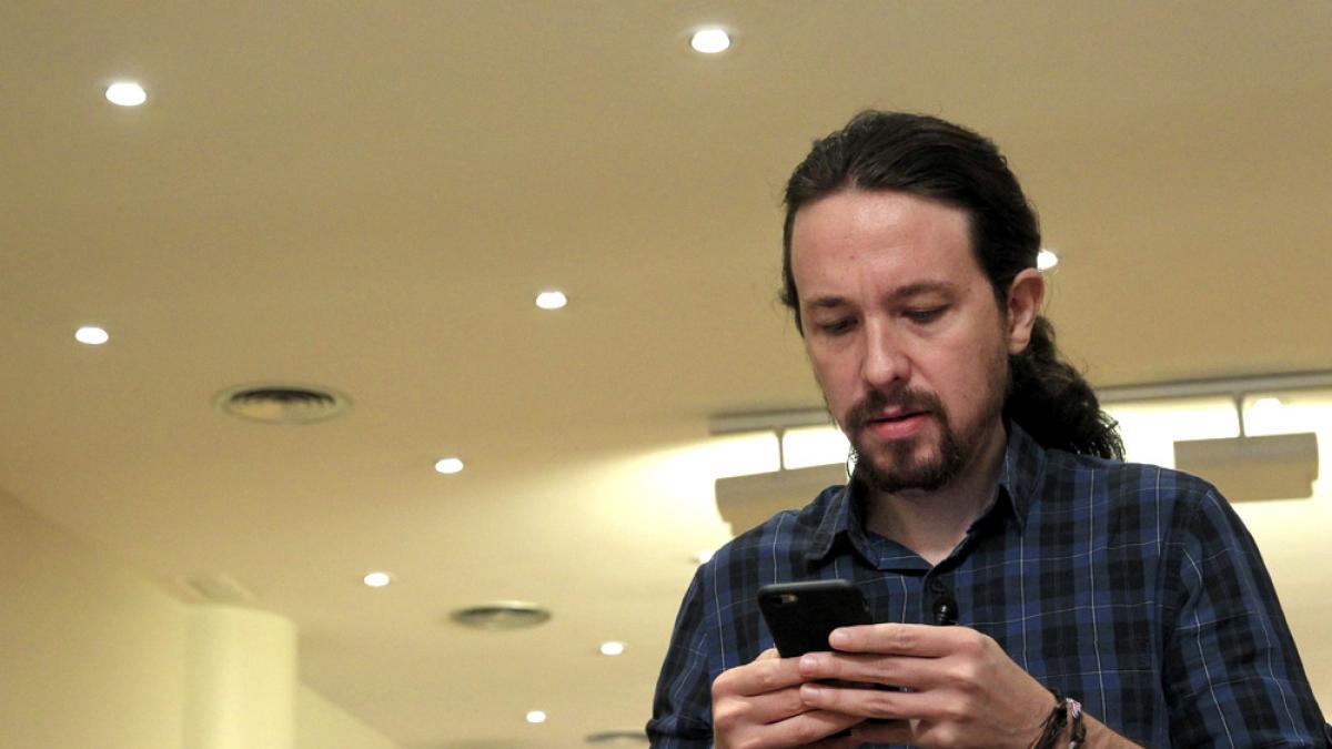 Iglesias y sus cuatro ministros se unen al teléfono móvil antiescuchas del CNI