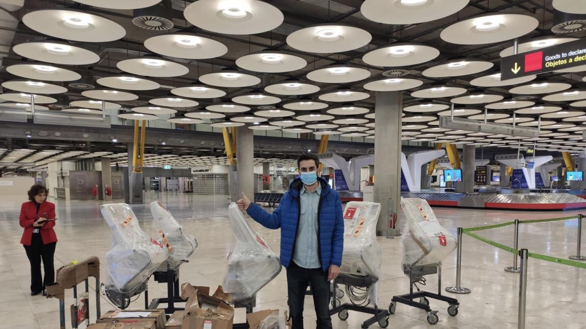 """Respiradores vía crowdfunding: """"Lo más importante era traerlos a España rápido"""""""