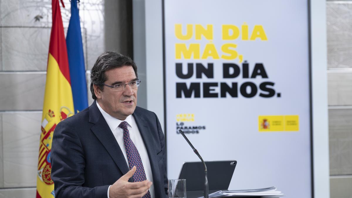 El Gobierno apunta a los 450 euros para cerrar de urgencia su plan de renta básica